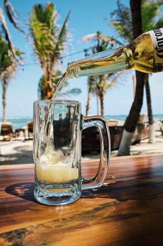 MALECóN 21, Restaurante & Club de Playa en Mahahual, Costa Maya, Mexico