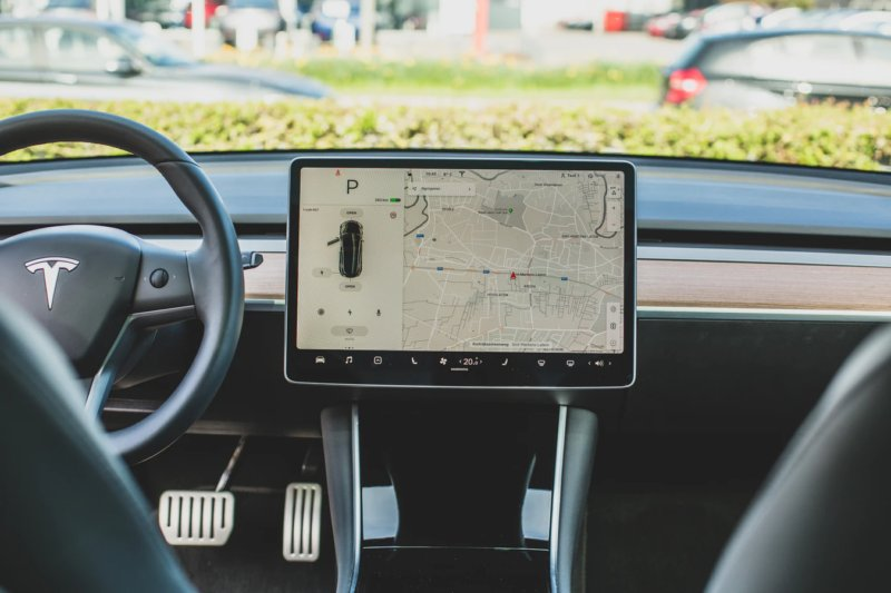 gps tracker in car for navigation