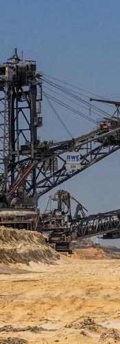 mina de arena y ripio, maquinarias de alta tecnología de extraccion de minerales.