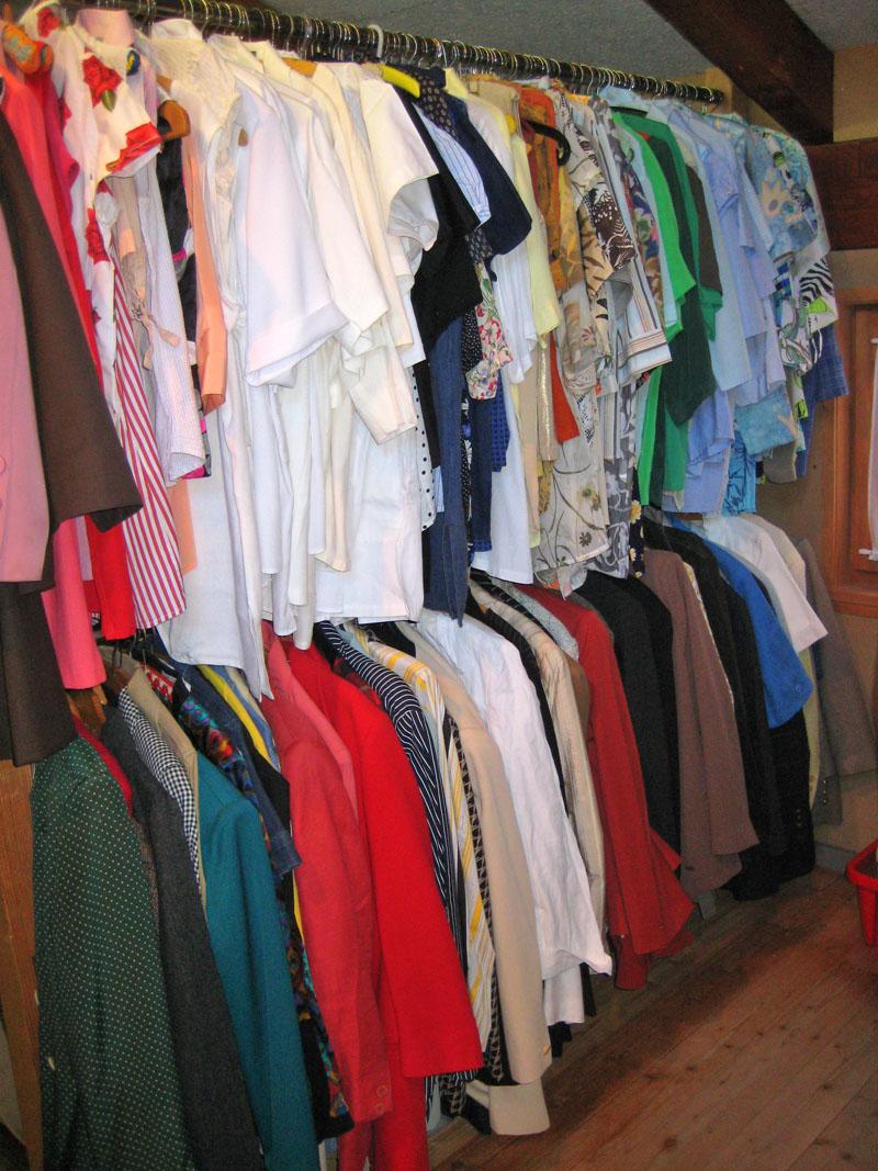 Blusen, Vestons, Kleider und mehr