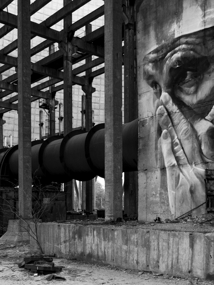 08 Graffiti in Chernobyl_Simon Moore.jpg