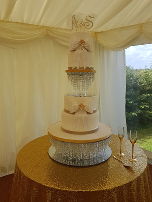 4 Tier Gold & Ivory Vintage Bow Cake