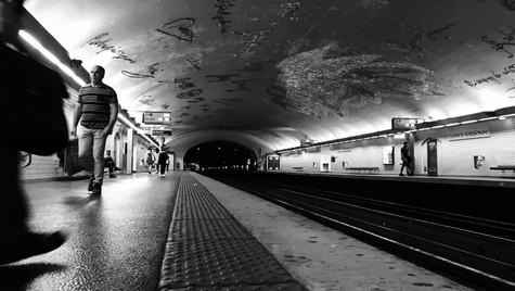 metro . paris . france . 2017