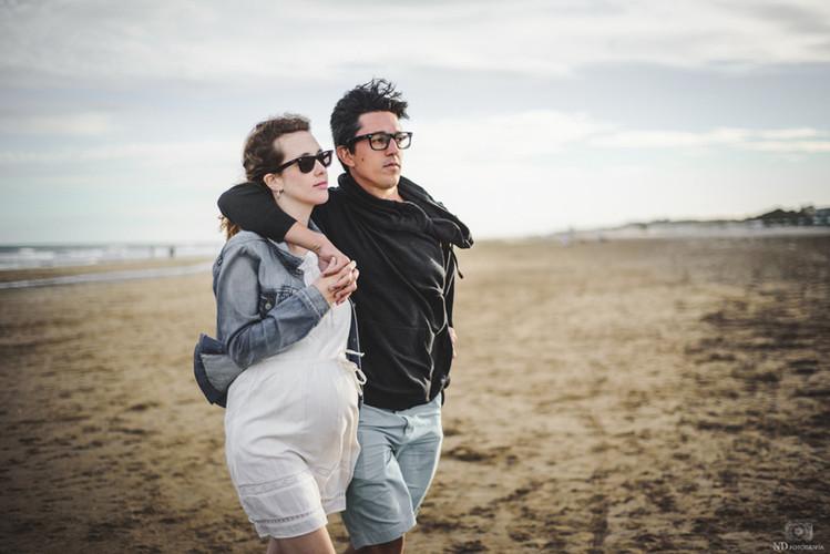 Sesion-de-maternidad-en-una-playa