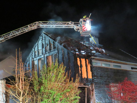 2020-08 | B4 | Gebäudebrand | Am Pfarrgarten