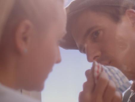 """The One Night Stand film """"Hoe het zo kwam dat de ramenlapper hoogtevrees kreeg"""" by director Eva Zane"""
