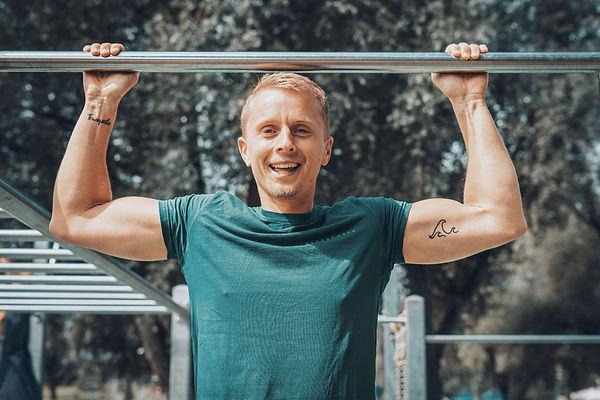 Merlin Witt, Personal Trainer, Klimmzug, Porträt