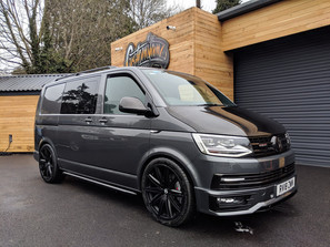 CUSTOM VW T6 TRANSPORTER SWB HIGHLINE KOMBI IN INDIUM GREY WITH CARBON FIBRE DETAILING