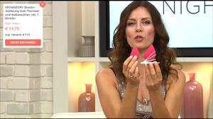 Angela Julie presenting Spongedry and Foundation Blender on QVC's Beauty Night