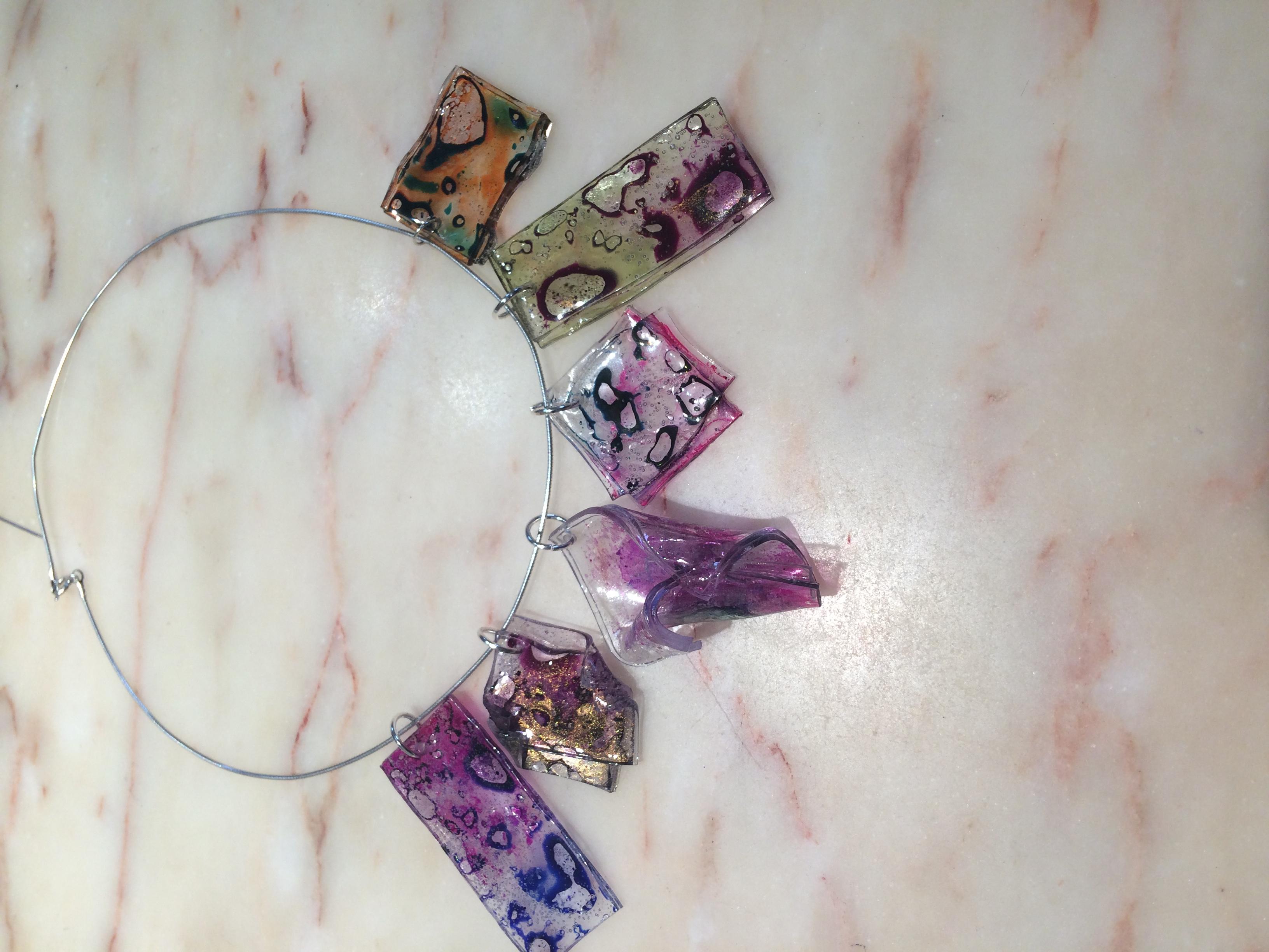 Série de bijoux en Plexiglass