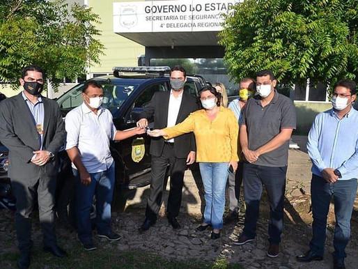 Polícias de Piripiri recebem novas viaturas