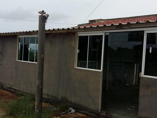 Prefeita Jôve Oliveira e secretário Revétrio Souza constatam abandono de mais um logradouro público