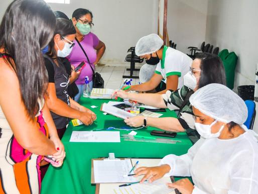 Saúde de Piripiri vacina pessoas de 59 anos sem comorbidades e grupos prioritários