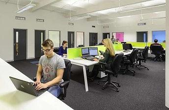 Workmobile-staff-working-in-an-office-en