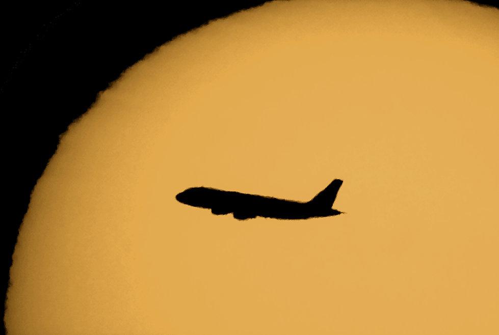 Airliner Sun Silohette.jpg