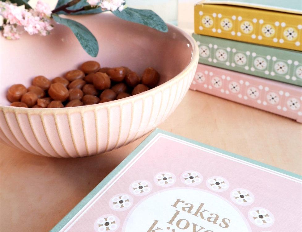 Kanelimamman gluteenittomat ja palmuöljyttömät makeiset: voitoffee, suklaa, kermakaramellit