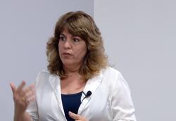 Claudia Cunha - CESAR