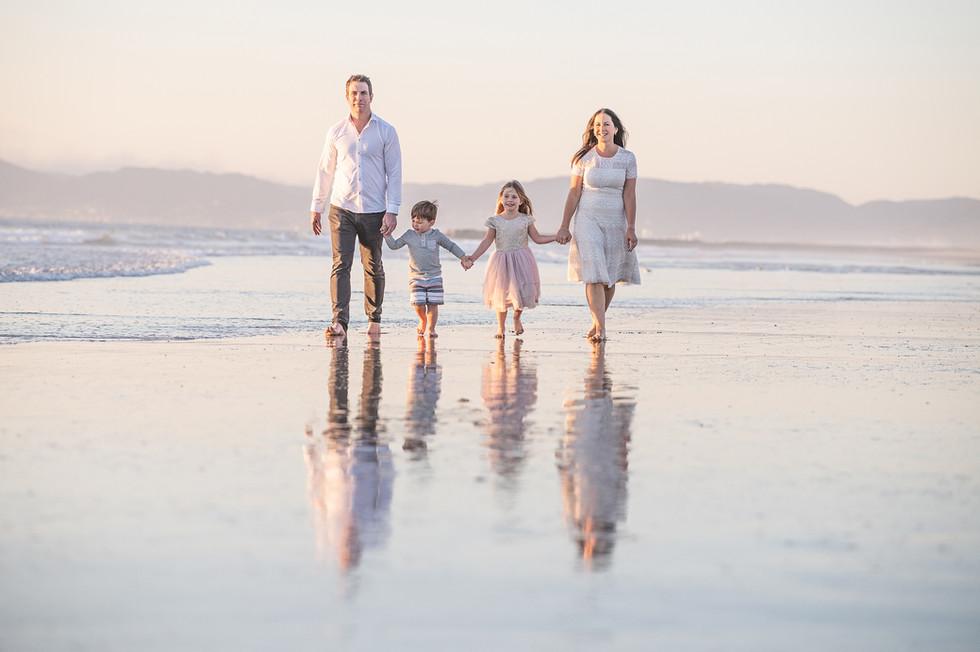 3 FAMILY - CONTEST.jpg