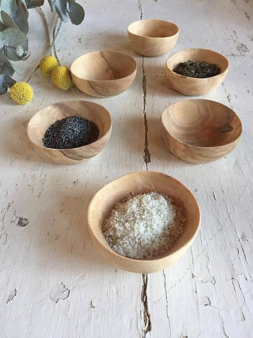 Le mini bol en bois d'olivier