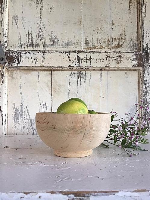 Le petit bol en bois de cèdre