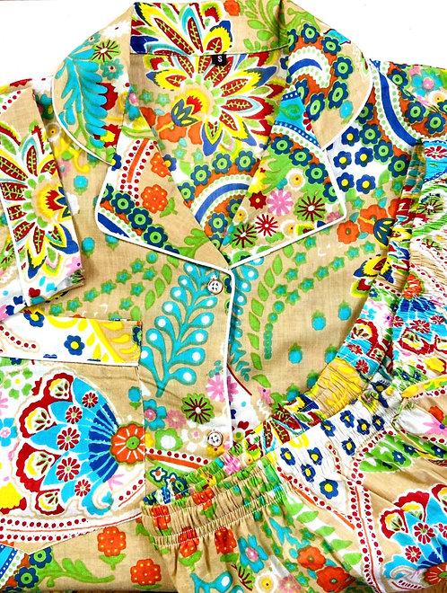 Pyjama inspiration 70's  fond sépia