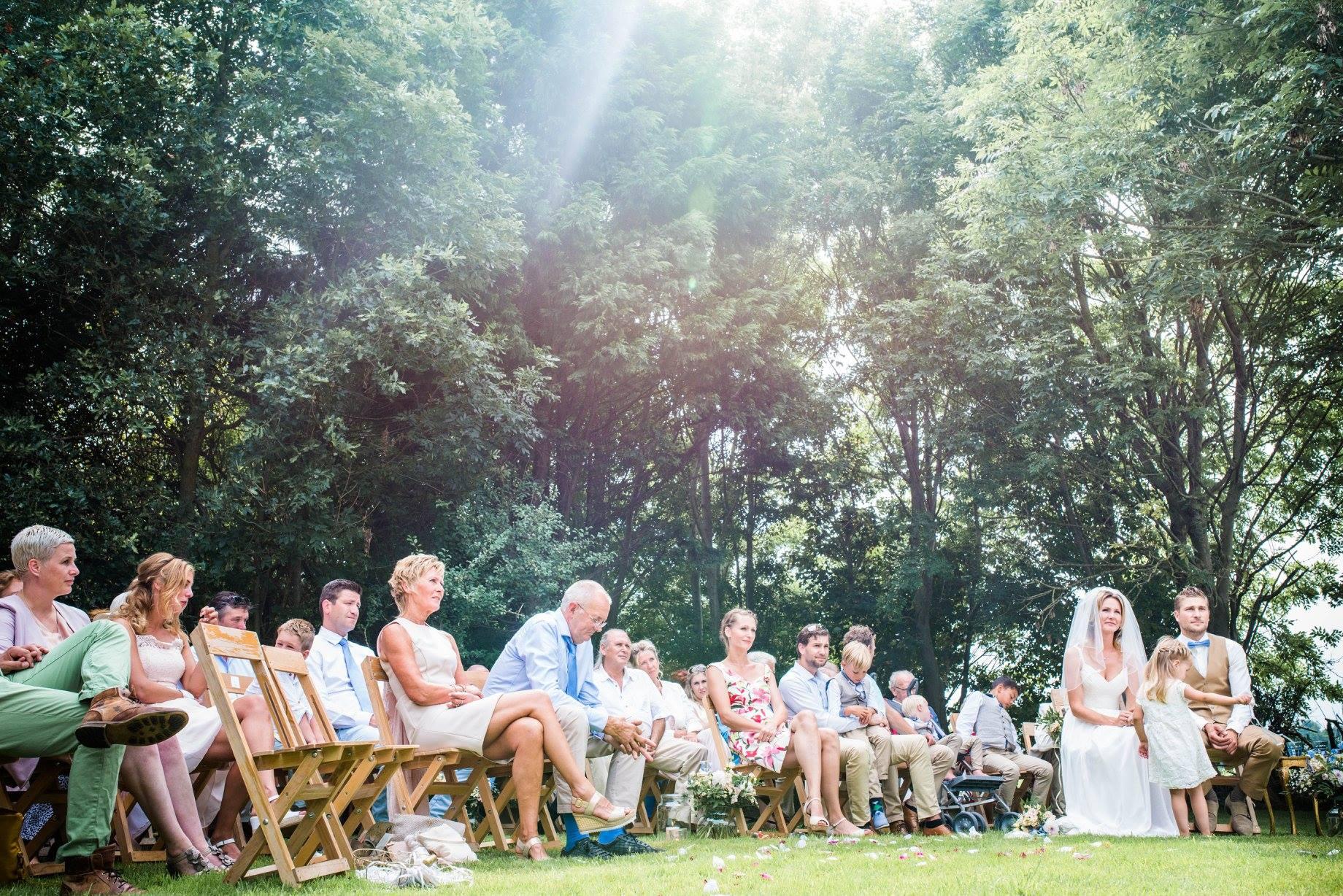 Ceremonie op de open plek