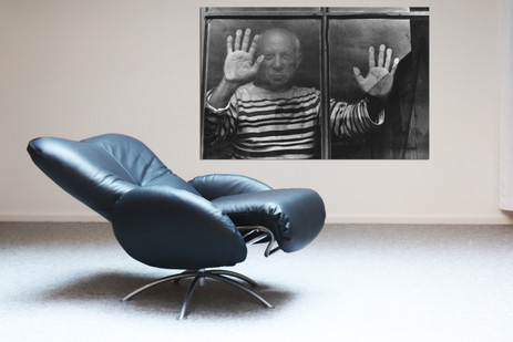 Ligne Roset Relax 90s + 11 Pablo Picasso hands on window.jpg