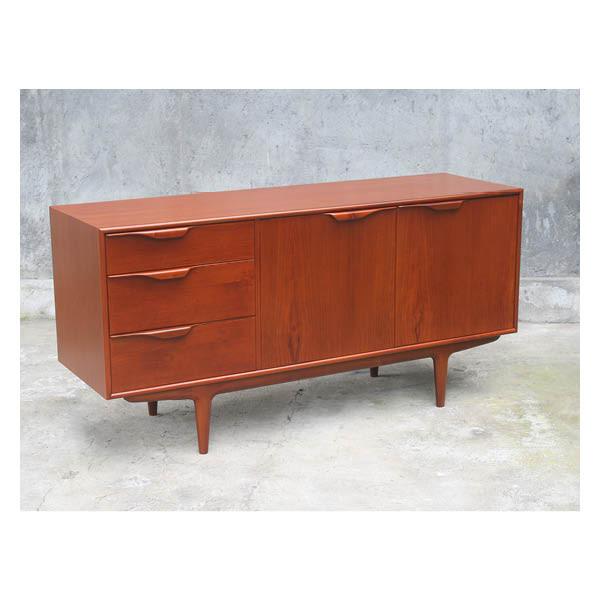 Machintos 2 doors 3 drawers