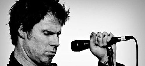 Mark Lanegan with mic Nr 29 Alu Panel