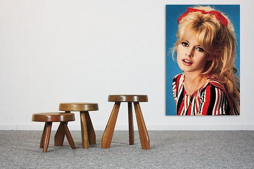 Set of 3 fifties retro stools in solid acacia