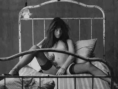 Jane Birkin handcuffed in bed Nr 14 Alu panel