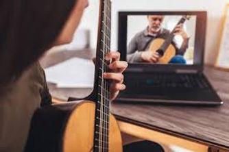 online guitar lesson_woman.jpg