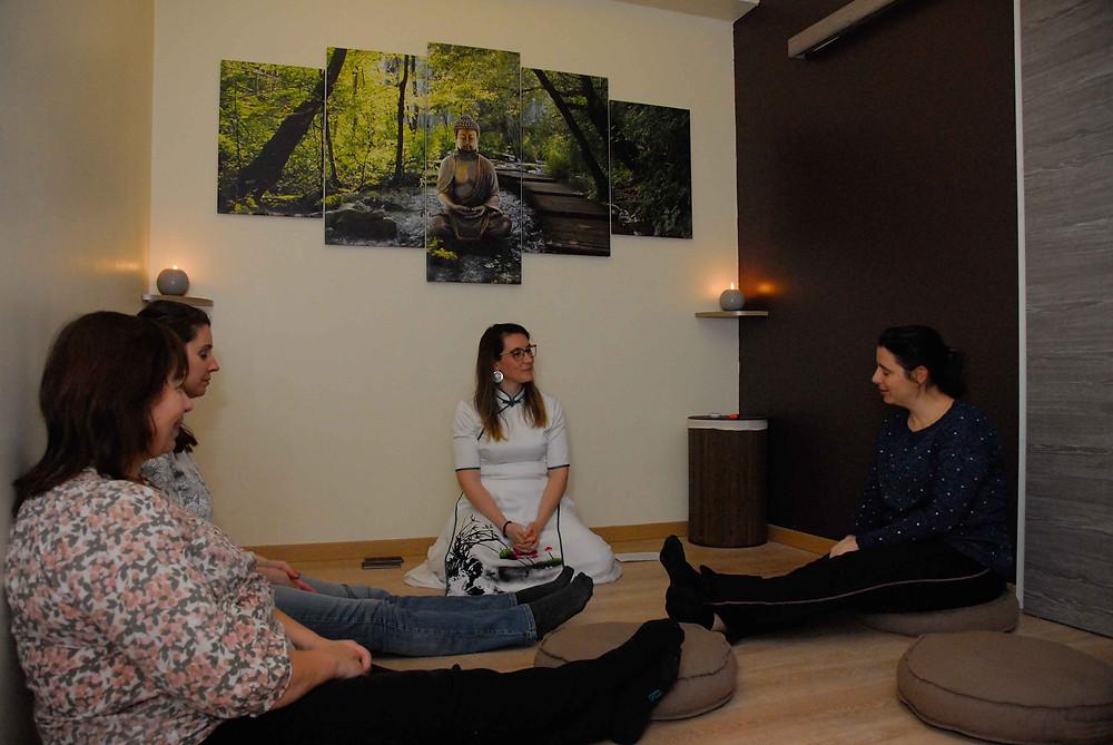 cours de méditation de groupe