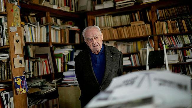 Arnau-Puig-estudi-rodejat-llibres_223598