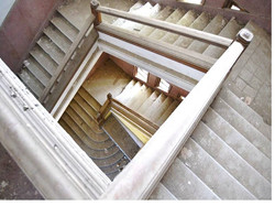 Fortos Lleida film comission Interior edificio escalera