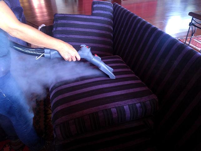 Higienização de estofado domiciliar e empresarial em sjc