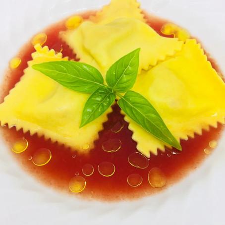 Ravioli di scampi con colatura di pomodoro e ricotta salata