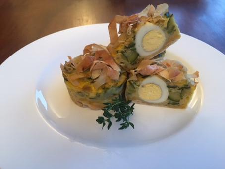 Nidi di pasta fillo con uova di quaglia e zucchine