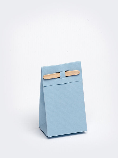 Kartonnen doosje met houten stokje - lichtblauw
