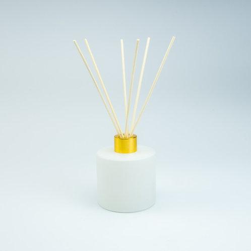 Groot wit geurflesje incl. 5 geurstokjes