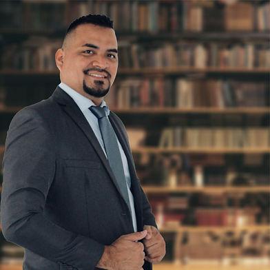 Dr. Josue Pimentel