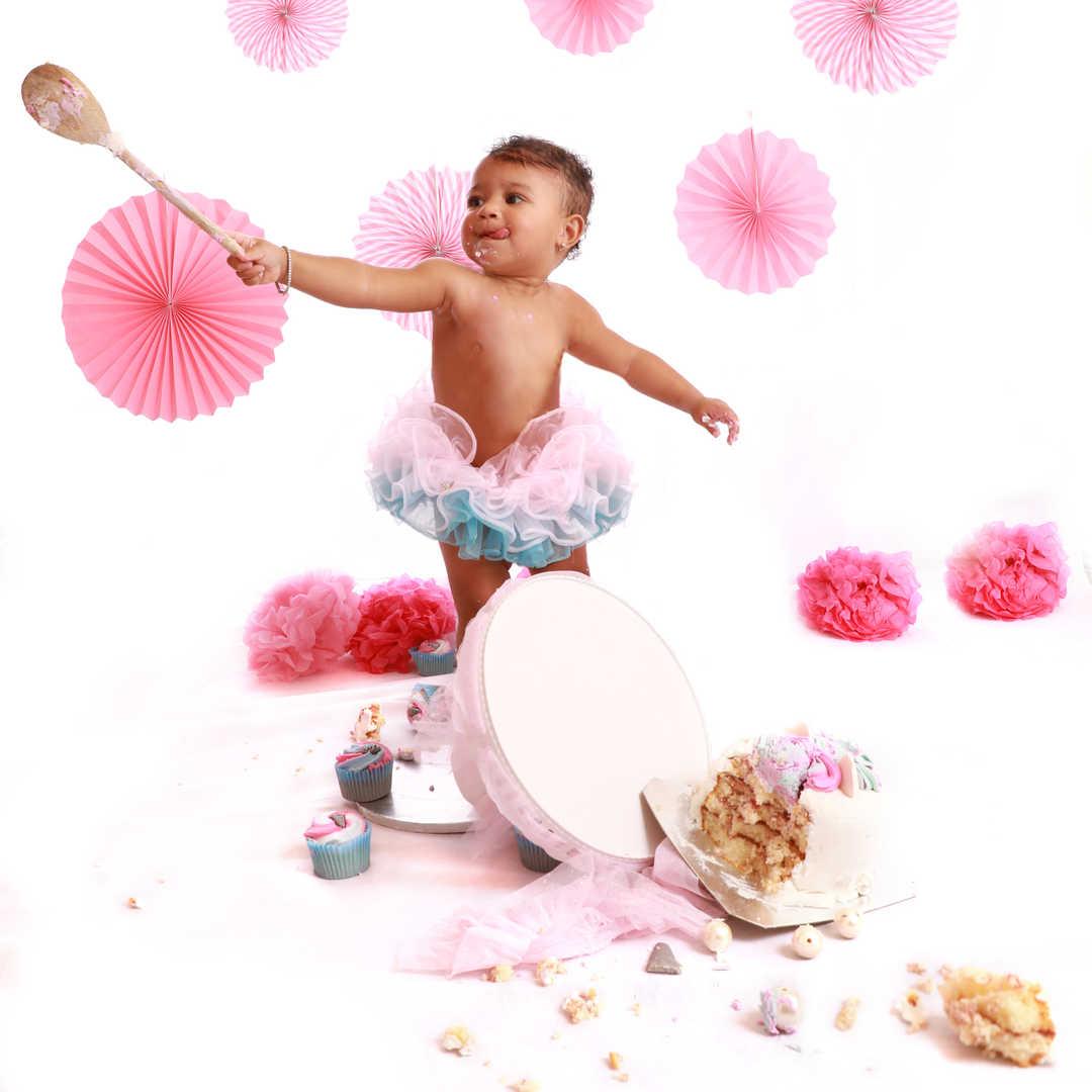Baby-cake-smash-photographer-Bradford-Sk