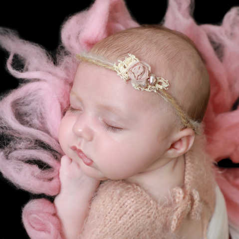 PhotographyforlittlepeoplebyLisa NewbornphotographyLuton3.jpg