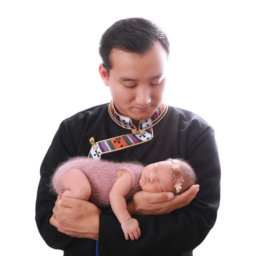 Newborn-Family-Photo-shoot-Leeds-Bradfor