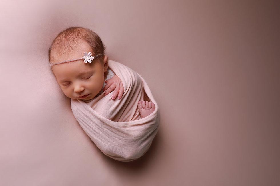 Newborn photogrpahers Leeds Bradford Ilk