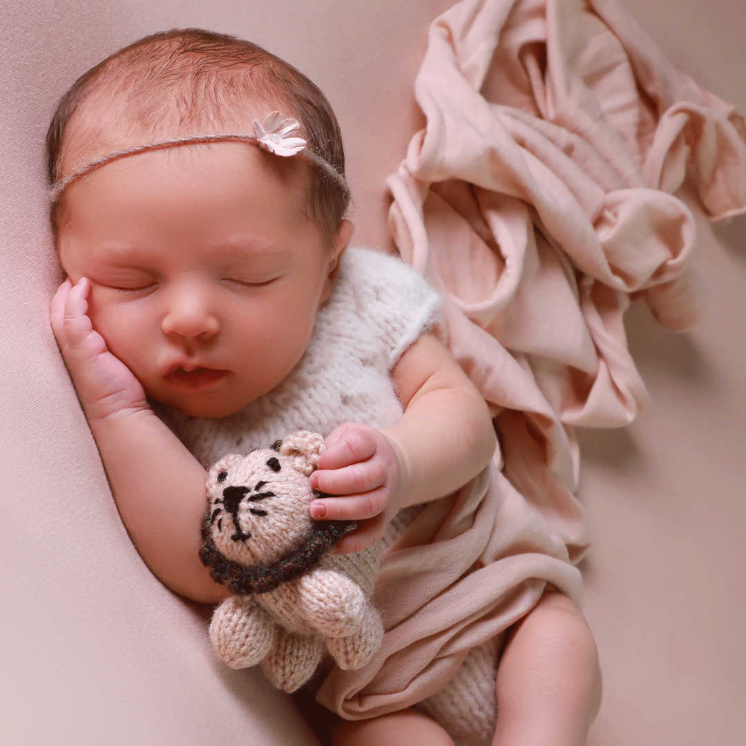 Newborn-photogrpahers-Bradford-Ilkley-Sk