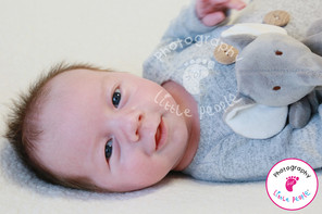 TOP TIPS ON PHOTOGRAPHING YOUR NEWBORN BABY AT HOME DURING LOCKDOWN
