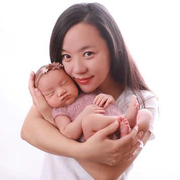 Newborn-Family-Photo-shoot-Ilkley-Skipto