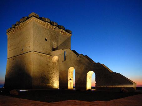 Cosa vedere a Torre Lapillo. 1. La torre costiera di San Tommaso.
