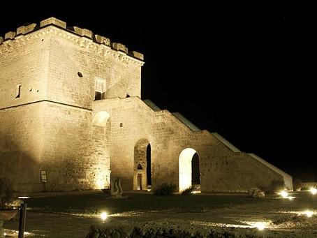 Torre Lapillo: descrizione, ubicazione e cenni storici.